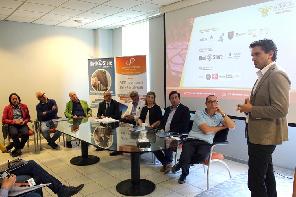 Conferenza Infiorata Castelraimondo (10)
